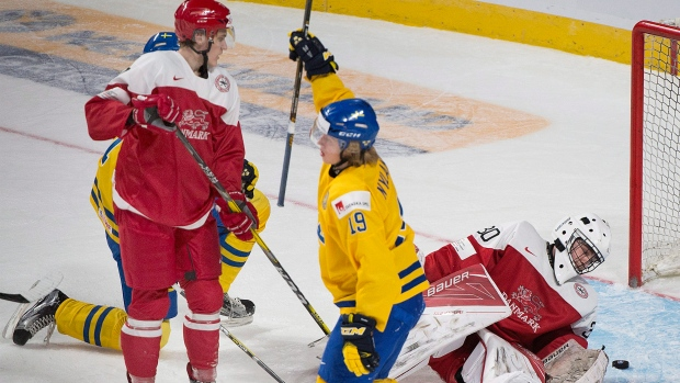 Roundup: Sweden pummels Denmark in world juniors opener
