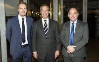 UKIP-leder Nigel Farage (im) mødes med DF's Søren Espersen (th) og Peter Skaarup (tv) på Christiansborg onsdag d. 30. november 2016. (Foto: Ólafur Steinar Gestsson/Scanpix 2016)